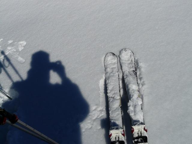ski-16219_640